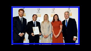 Video Breaking News | Pictured: prince harry hands top award to bucks ambulance crews MP3, 3GP, MP4, WEBM, AVI, FLV Oktober 2017