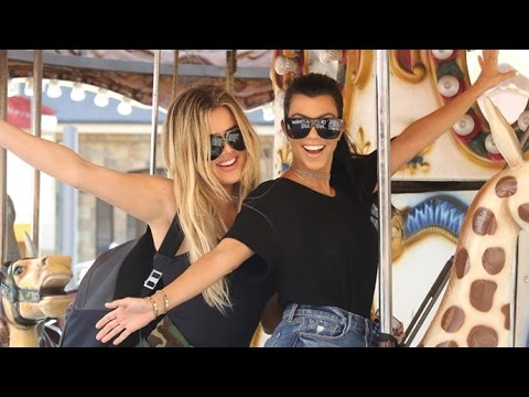 Khloe Kardashian Takes Happy Selfies On Carousel With Kourtney Amid Lamar Odom Drama