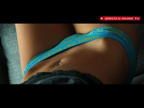 mix - Enjoy our new electro house 2014 dance mix. This is a special dance electro house remix from DJ NaXwell. Please follow us for more Free Downloads. Click here - http://goo.gl/WVPyYC Electro...