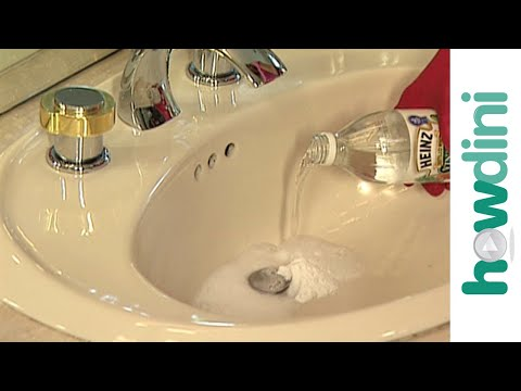 how to unclog a drain with vinegar