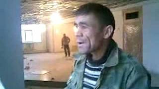 Tajik worker singing indian song in Moscow with armenian co workers, this guy is very famous in CIS russia and Middleeast for his funny style singin indian ...