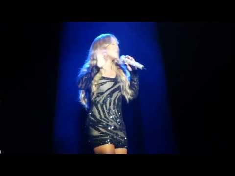 Mariah Carey gets her diva on, and does some improvised singing in Australia