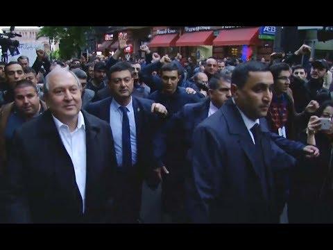 Ինչպես Արմեն Սարգսյանը հեռացավ Հանրապետության հրապարակից - DomaVideo.Ru