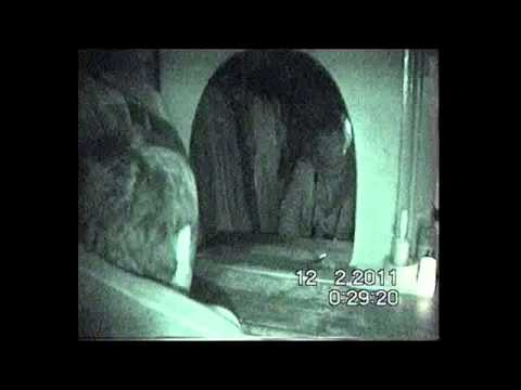 E303 Ghost Hunting at Gainsbrough Prt-1.avi