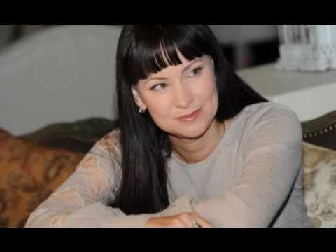 Известная актриса с семьей покинула Россию