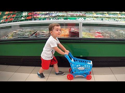 Bebê Fazendo Compras no Mercado com Carrinho de Brinquedo - Supermarket Shopping Cart Toys