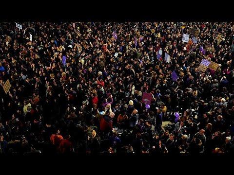 Iσπανία: Ογκώδεις διαδηλώσεις για την Ημέρα της Γυναίκας…