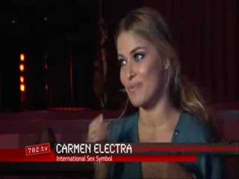Video de Carmen Electra en Topless