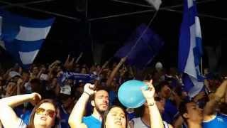 Alento da TFC ao Cruzeiro no jogo contra o Flamengo, no Mineirão, pela 19ª rodada do Brasileirão 2013. Créditos: Vítor Paim.