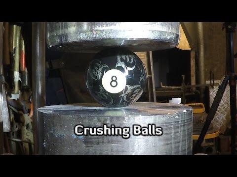 液壓機壓下各種球類時 獵奇畫面大公開