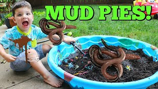 Video Kid Playing Outside Making GIANT Mud Pies with REAL WORMS! MP3, 3GP, MP4, WEBM, AVI, FLV Juli 2019