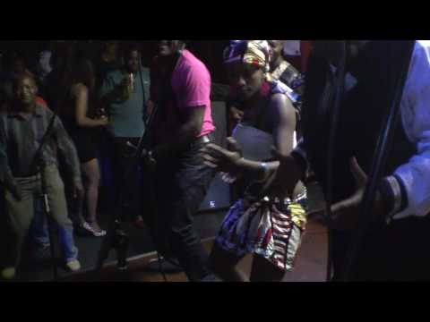 Kanda Bongo Man 2 - Live in Reading courtesy of Deejay Ejay