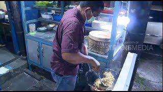Video Polisi Ini Jadi Pedagang Nasi Goreng Demi Kuliahkan Anaknya MP3, 3GP, MP4, WEBM, AVI, FLV Februari 2019