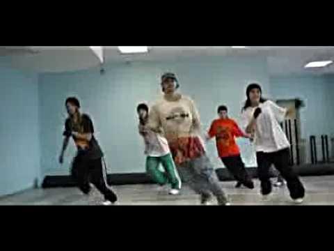 Housedance комбинация движений, показывает и танцует D-Soul