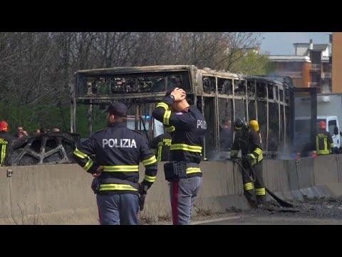 Italien: Schulbus in Mailand angezündet - 14 Kinder m ...