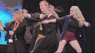 Nonton Luna Lovegood (Evanna Lynch) wand combat duel at Harry Potter Celebration 2015, Universal Orlando Film Subtitle Indonesia Streaming Movie Download