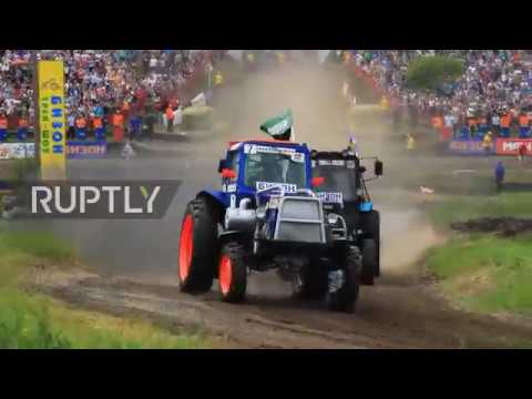 30,000 flock to see tractors tear up race-track in Rostov-on-Don