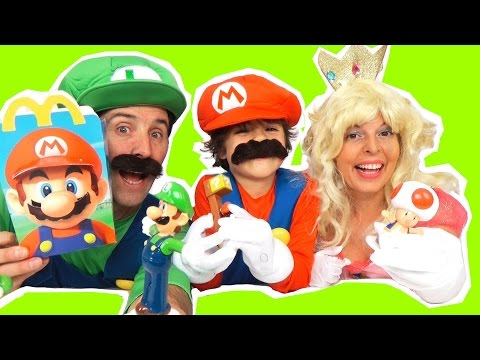 SUPER MARIO Déguisements MARIO, LUIGI, PRINCESS PEACH & Jouets HAPPY MEAL 2016