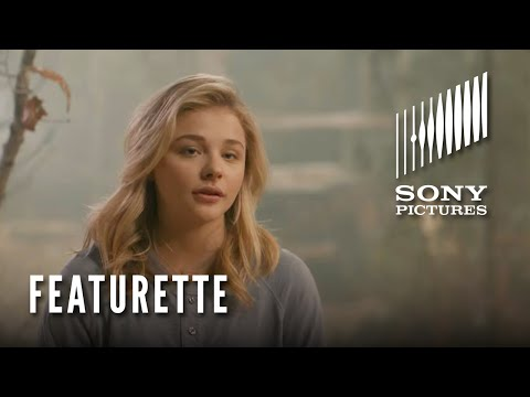 The 5th Wave (Featurette 'Meet Cassie')