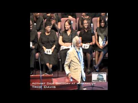 Dick Gregory speaks at the funeral of Troy Davis