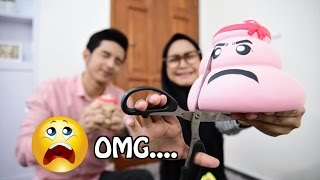 Video SQUISHY DARES! OMG.... I CUT MY POOP :( - Ria Ricis MP3, 3GP, MP4, WEBM, AVI, FLV April 2019
