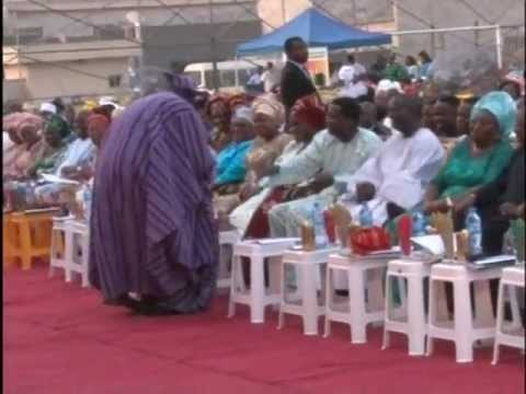 Erujeje sings Oba tin seun. with Daddy G.O and Gov. Fashola at Lagos state thanks giving service.