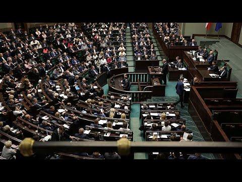 Πολωνία: Υπερψηφίστηκαν οι αμφιλεγόμενες μεταρρυθμίσεις για τη δικαιοσύνη