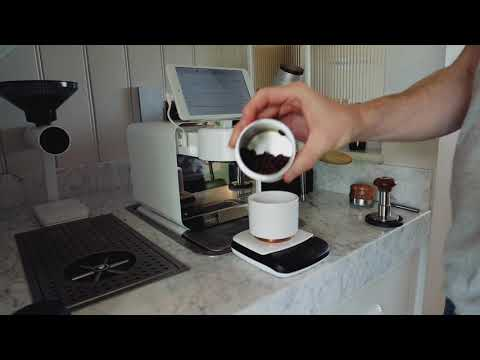 Walkthrough: Making an espresso with the Decent DE1 and Monolith Titan Grinder