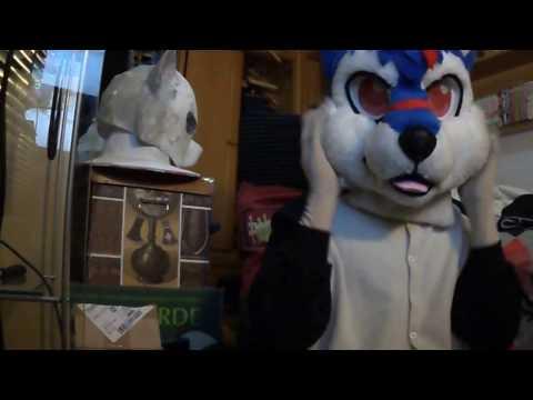 Kigurumi Elh Melizee unmasking furry