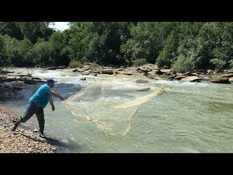кастинговая сеть на реке видео