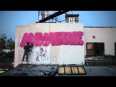 Video | André 's Annabelle Love Graffiti