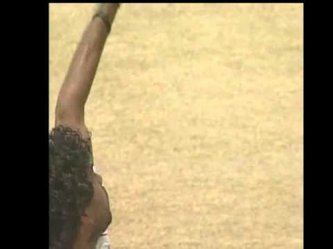 Crap fielding by Dilhara Fernando (HD)