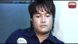 Video Lucky Perdana Nggak Gentleman!!.flv MP3, 3GP, MP4, WEBM, AVI, FLV Juli 2018