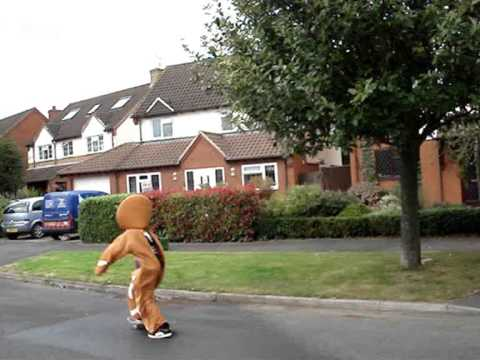 Gingerbread Man caught catching killer air in sweet skate sesh