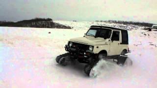 Suzuki Samurai with Camoplast Tatou 4s tracks