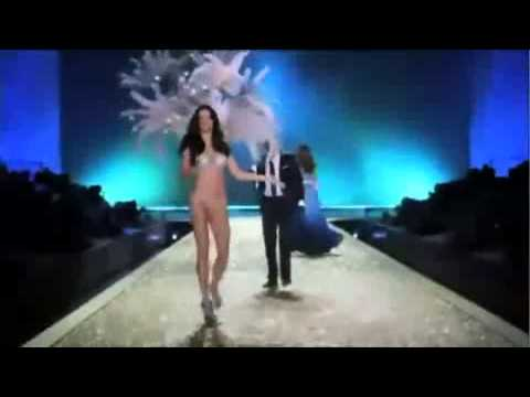 Akon   Angel   Victoria's Secret Fashion Show 2010