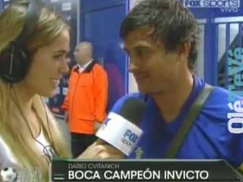Cvitanich beso a Cecilia Bonelli a lo Iker Casillas con su pareja Sara Carbonero