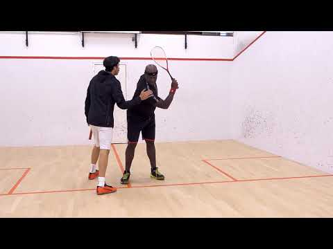 Squash tips: Clean hitting on the backhand with Jethro Binns - Racket preparation