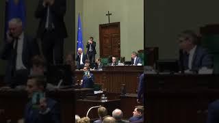 W Sejmie PIS dożyna resztki demokratycznej Polski, od dziś dyktatura zostanie ugruntowana.