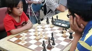Download Video Catur kelas dewa | Anak ini kalahkan orang dewasa di UGM Yogyakarta MP3 3GP MP4