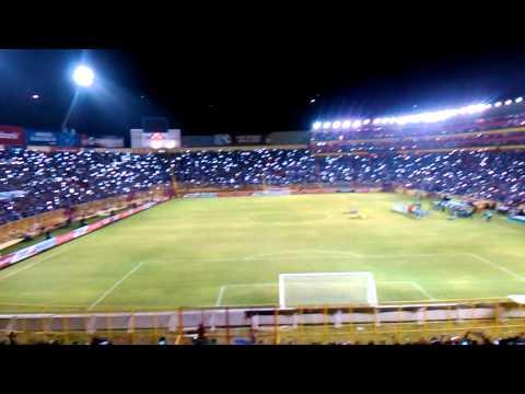 Himno del Salvador vs curacao - La Ultra Blanca y Barra Brava 96 - Alianza