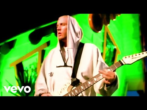 Korn - Shoots and Ladders online metal music video by KORN
