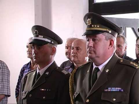 Slu�ena sveta liturgija i polo�eni venci na spomenike izginulim ratnicima u Dublju