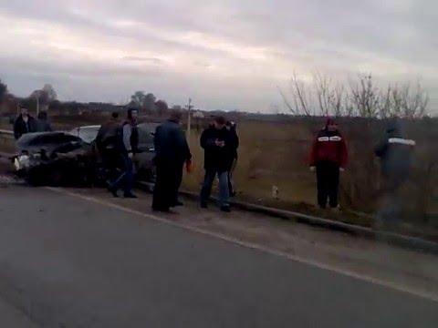В аварії на Рівненщині травмувались водій та пасажир легковика [ВІДЕО]