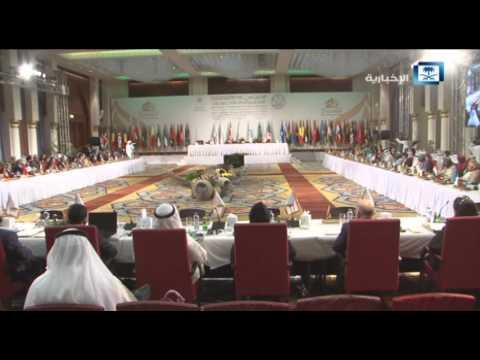 #فيديو :: وزير الثقافة السعودي يلجم نظيره الإيراني