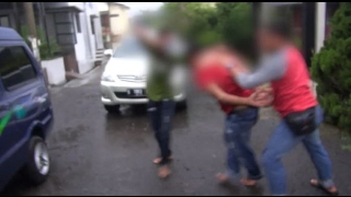 Video Aksi Kabur Salah Satu Pelaku Warnai Penggerebekan Pesta Sabu - 86 MP3, 3GP, MP4, WEBM, AVI, FLV Mei 2019