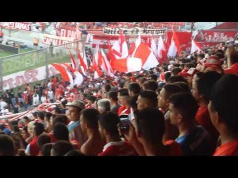 """Los diablos rojos entrando al LDA """"La banda del rojo ya llego..."""" - La Barra del Rojo - Independiente"""
