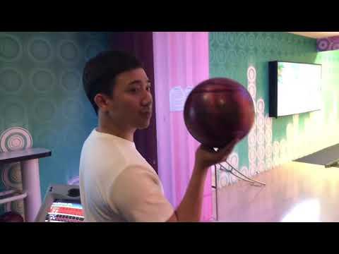 Trấn Thành hướng dẫn em vợ cách chơi bowling cực chất!!! - Thời lượng: 1:31.