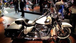10. 2014 Harley-Davidson Road King Classic FLHRC Walkaround - 2013 EICMA Milan Motorcycle Exibition
