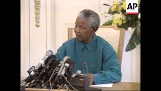 Video SOUTH AFRICA: WINNIE MANDELA IS SACKED FROM GOVERNMENT MP3, 3GP, MP4, WEBM, AVI, FLV Oktober 2017